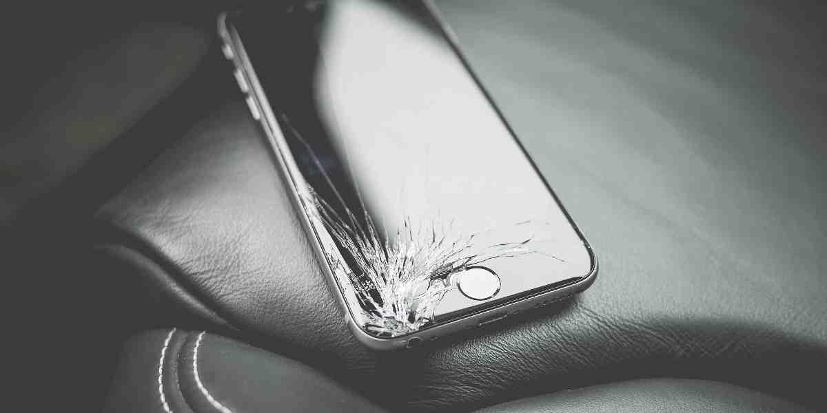Nuovo bug su iOS 11, manda in crash iPhone e iMessage e altre app.